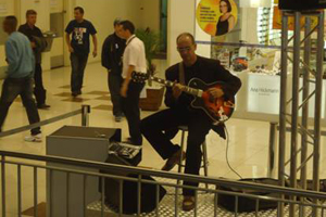 Música ao vivo no|Shopping Center Lapa